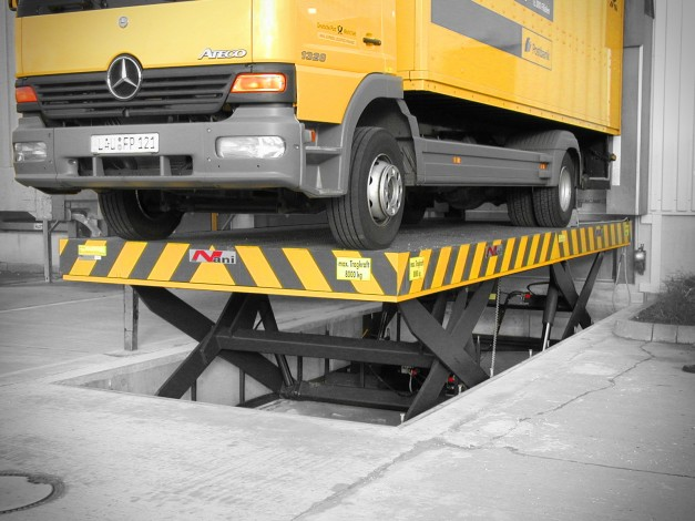 Deutsche Post AG – Long-Load Lift or Tandem Lift Table without roll safety device