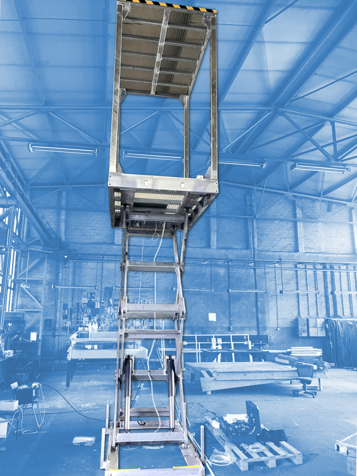 Lifting table with canopy as Freight Lift