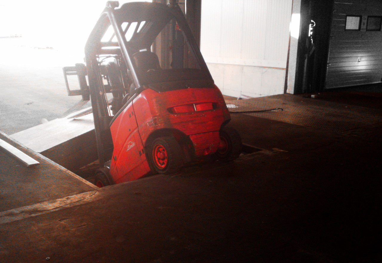 forklift accident on dockleveller
