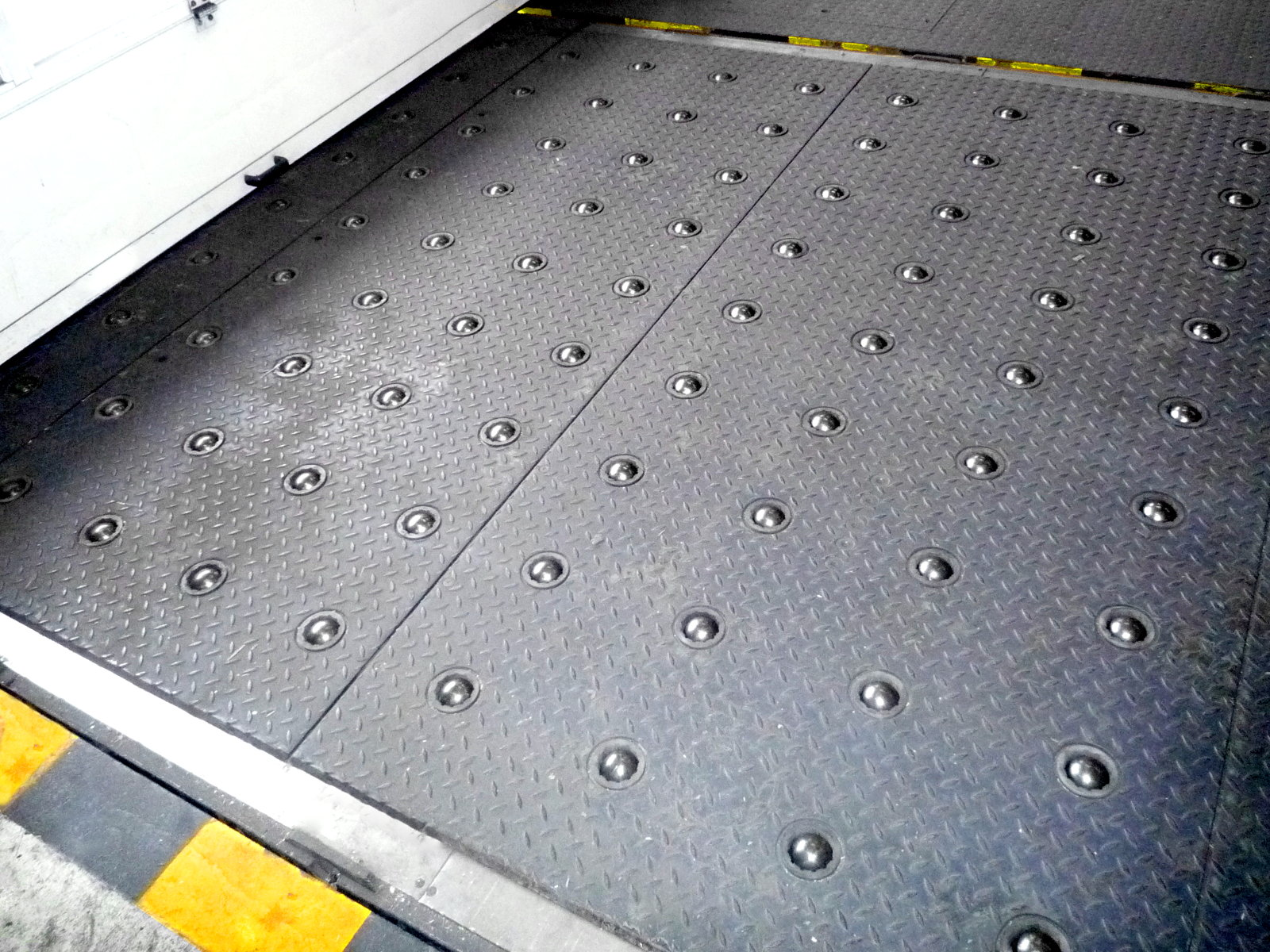 RollerCover for truck dock and airport logistics