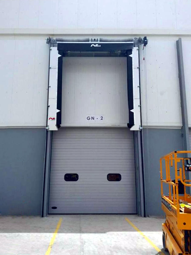 Container Logistics – closed vertical Dockshelter